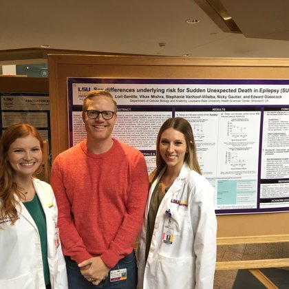 Kaitlin Crane and Lori Gentile at the MSRP poster session (October, 2017)